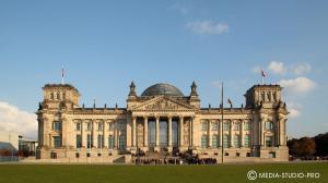 (Berlin_Reichstag-IMG_9440-1.jpg)